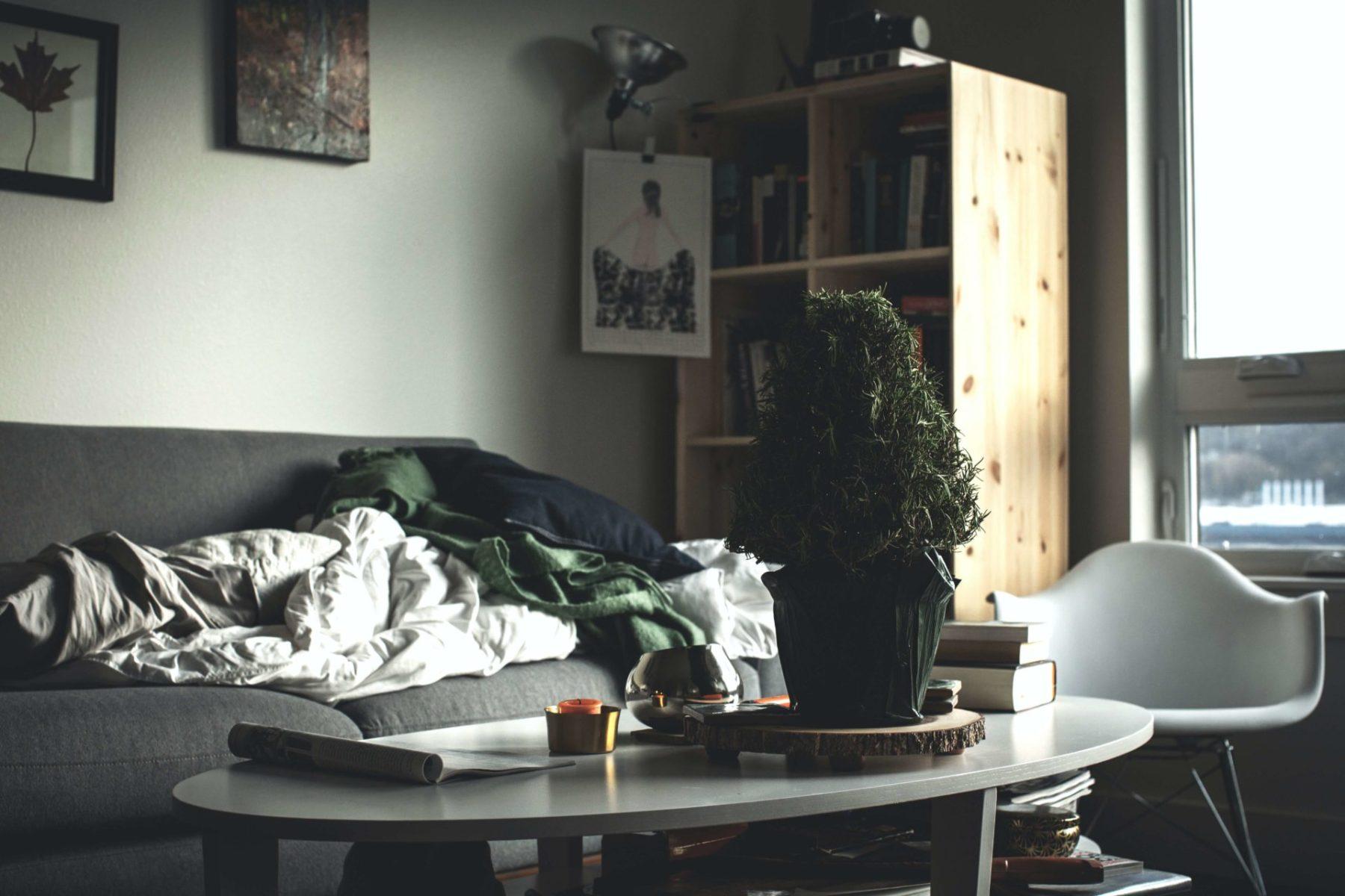 synkkä olohuone