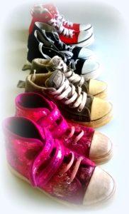kengät rivissä